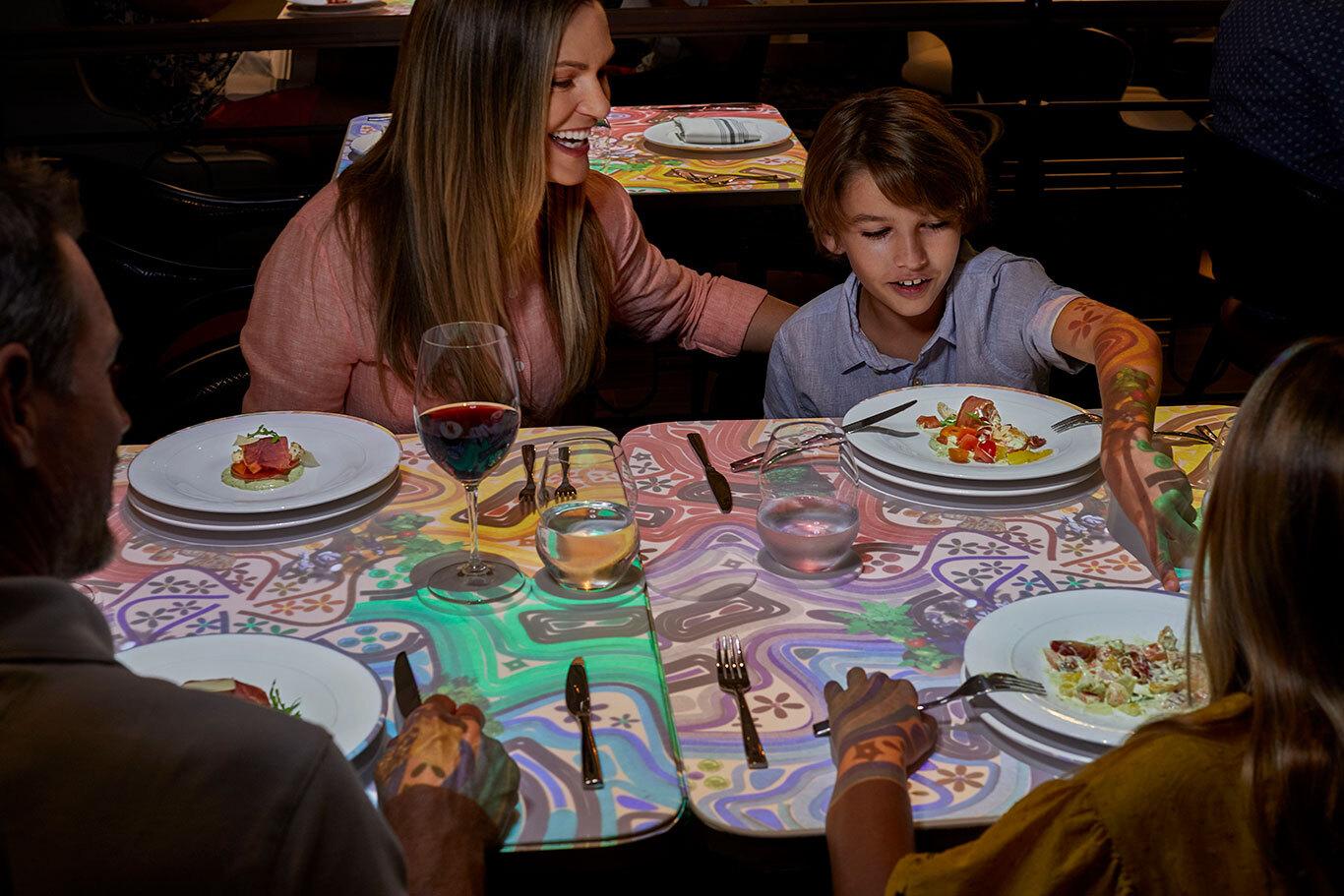 Celebrity Cruises: family cruises, dining