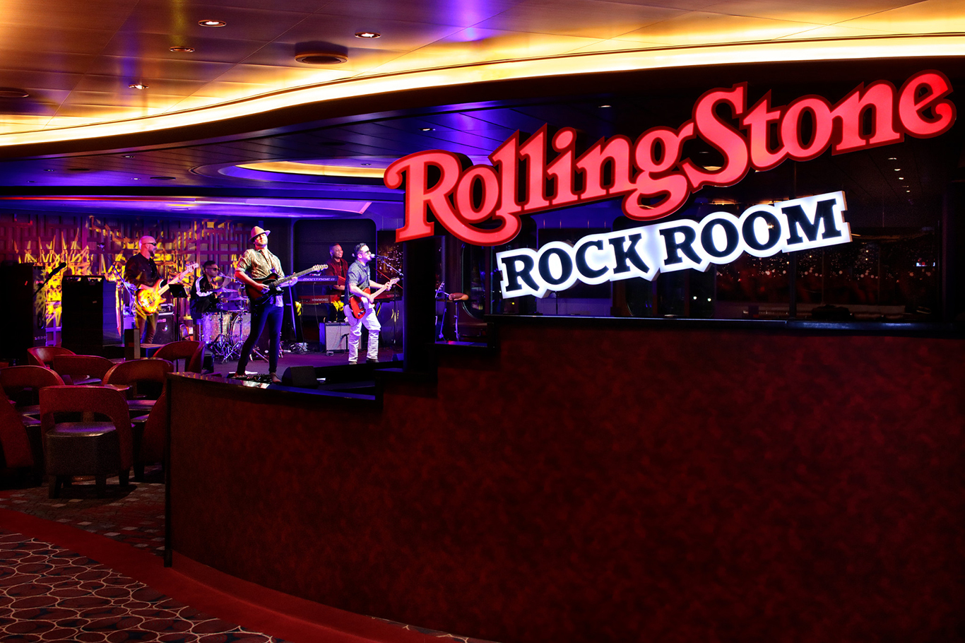 Rolling Stone Staged2 R 2048px