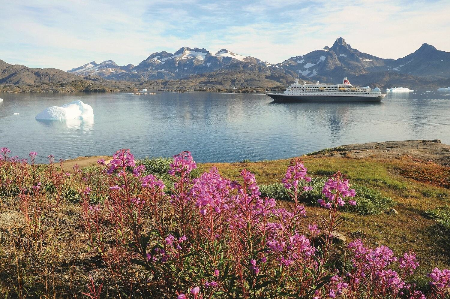 Set sail on Boudicca for beautiful Greenland in 2017 with Fred Olsen Cr min
