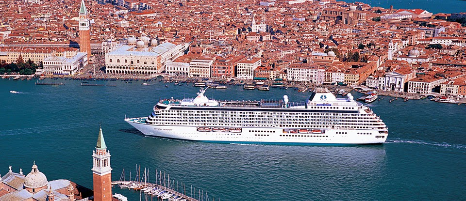Crystal Serenity sailing into Venice