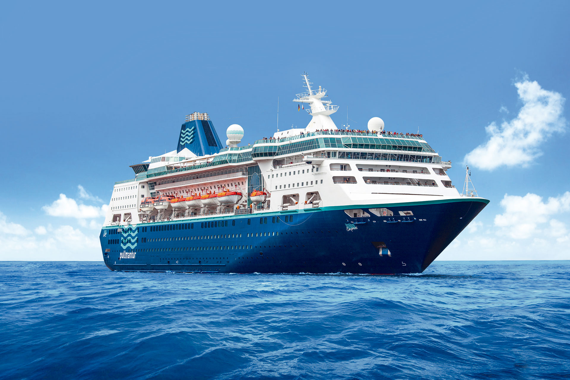 Pullmantur Targets British Cruise Market World Of Cruising Magazine - Zenith cruise ship itinerary