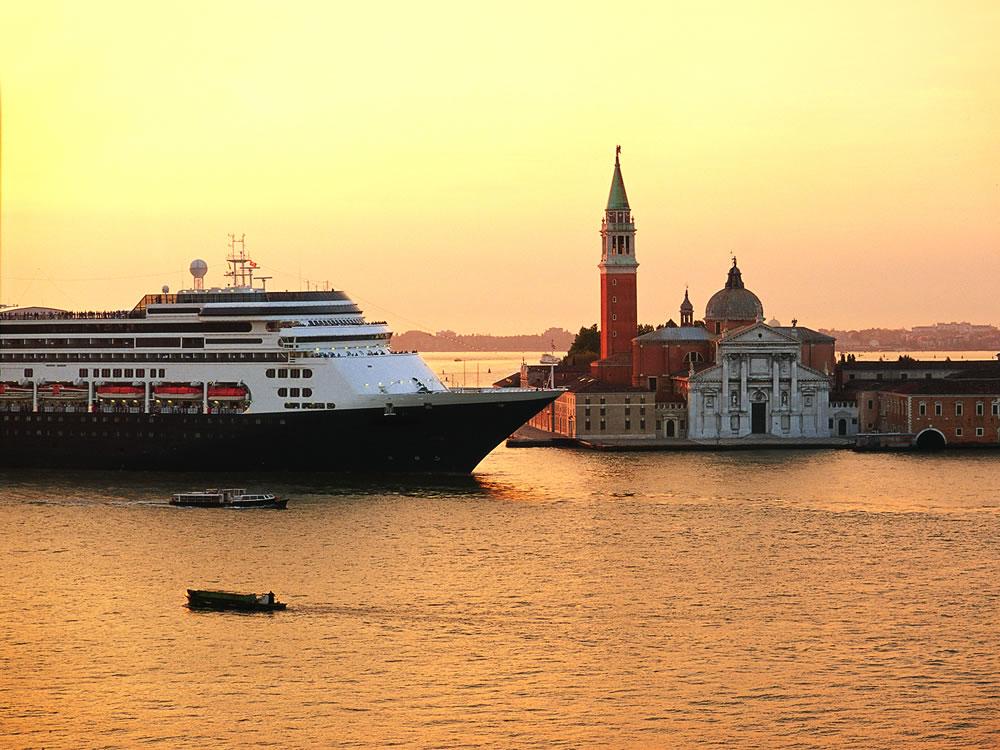 ms Rotterdam in Venice