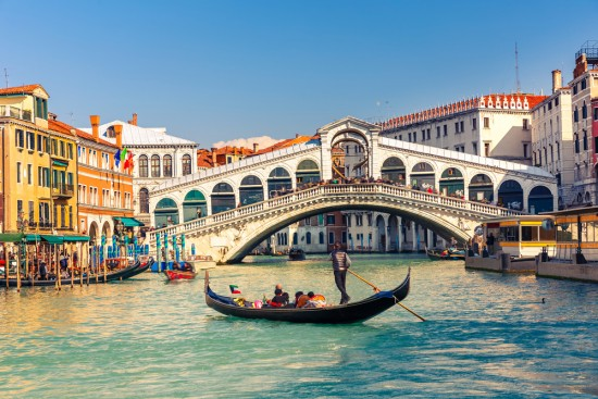 Large cruise ships to be banned from Venice grand canal