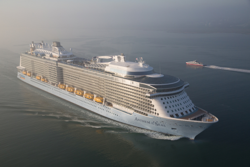 Pictures World S Third Largest Cruise Ship Sails Into