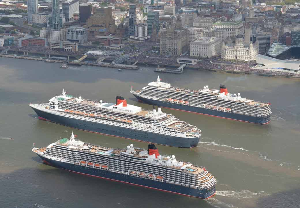 Historic Mersey Gathering Of 3 Cunard Queens Is Watched By