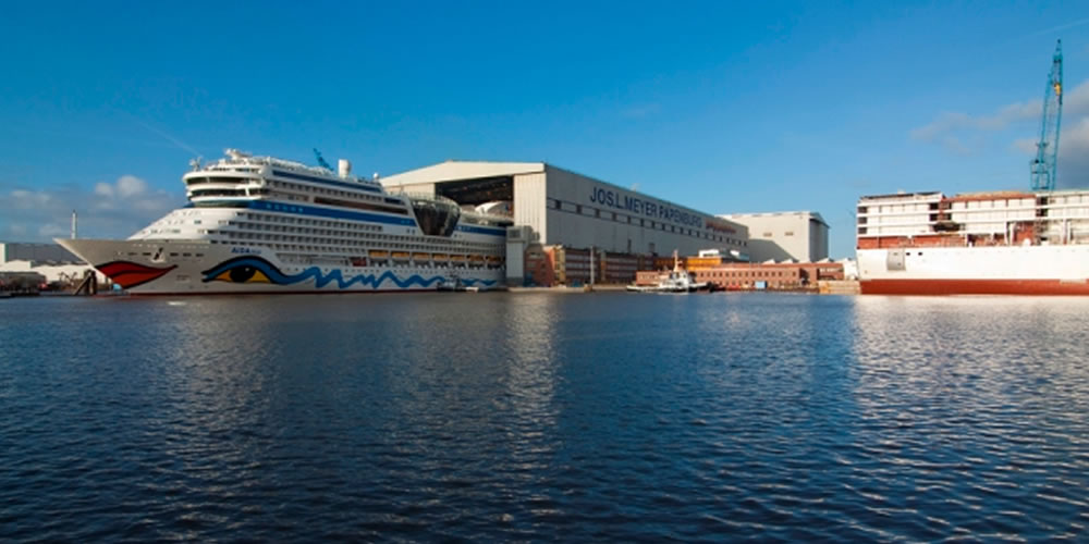 Carnival orders four of the largest cruise ships ever built