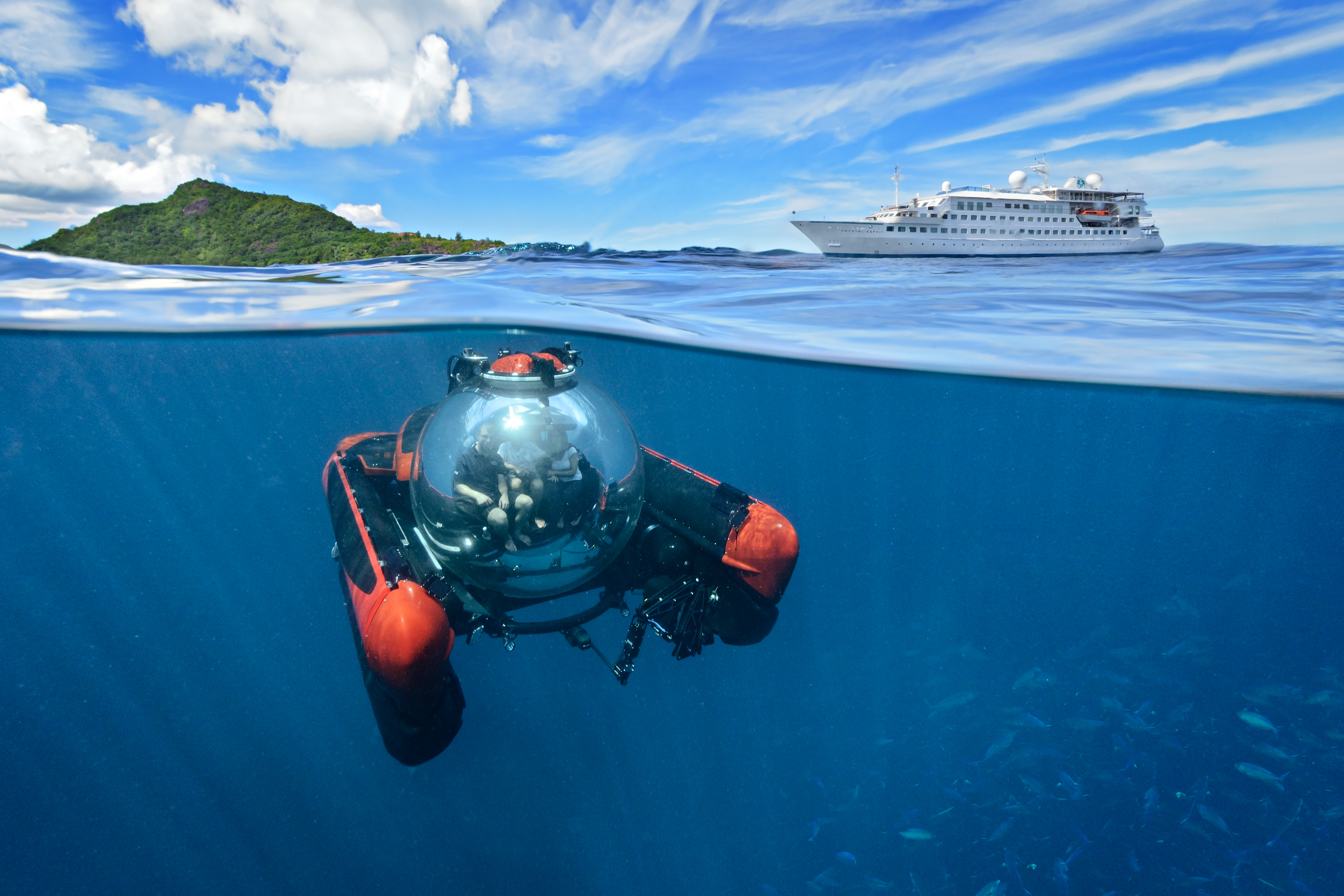 Crystal Esprit with submersible