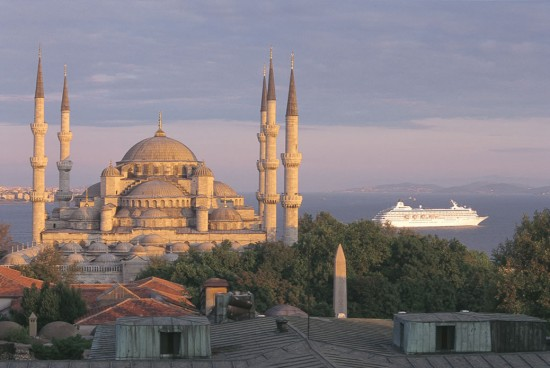 Seadream new cruise 2021: Crystal Symphony in Istanbul