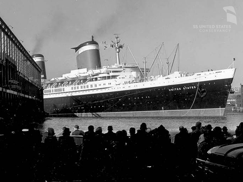 The SS United States easing into Pier 86 without the assistance of tugs, due to a tugboat strike. Photo courtesy of Charles Anderson and the SS United States Conservancy