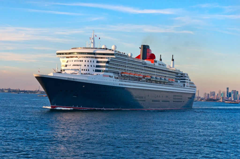 Solo cruise travel on the Queen Mary 2