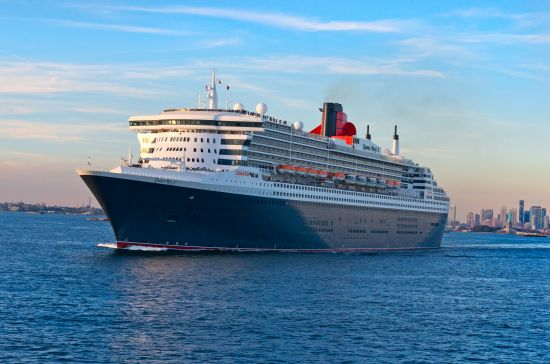 Donald Trump: mini cruises: Queen Mary 2