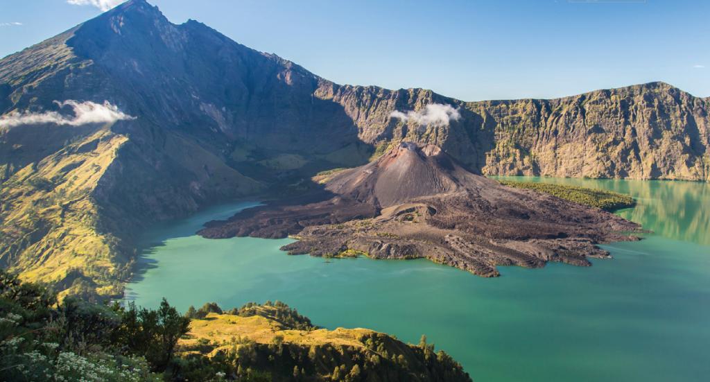 Mt Rijani - Indonesia