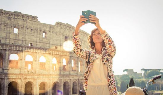 Woman sightseeing in Rome on an independent cruise shore excursion