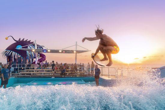 Cruise ship swimming pools: Royal Caribbean
