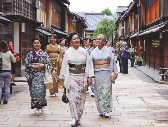 Cruise to Japan: Geishas in Kyoto