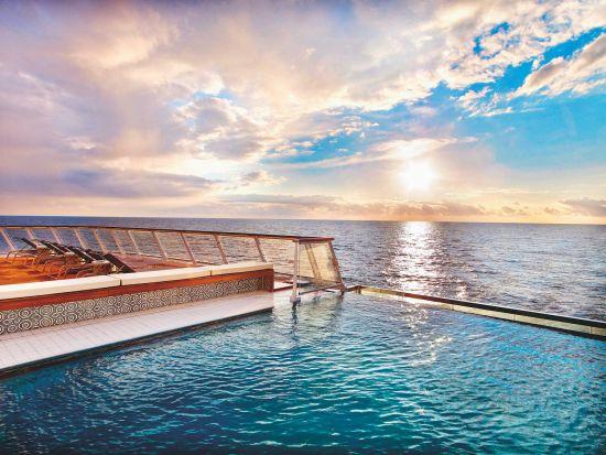 Cruise ship swimming pools: Viking