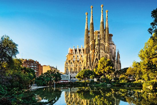 Euro city cruise: Sagrada Familia in Barcelona