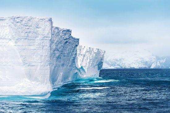 Icebergs, Antarctica cruise, Hapag-Lloyd