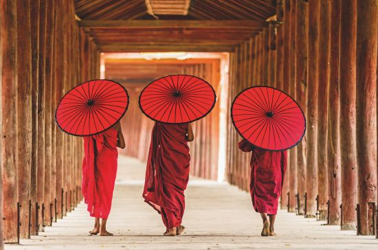 Cruise to Myanmar: Monks