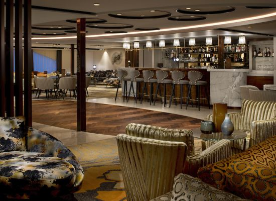 AmaMagna cruise ship bar