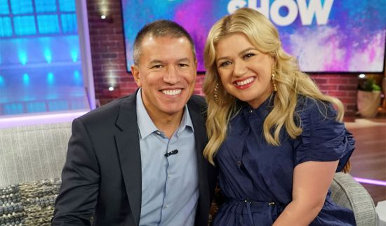 Kelly Clarkson named godmother of Norwegian Encore ship