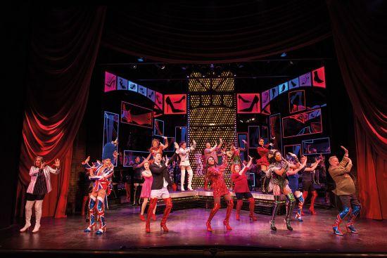 Norwegian Encore, Kinky Boots performance