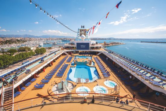 Marella Explorer Swimming pool
