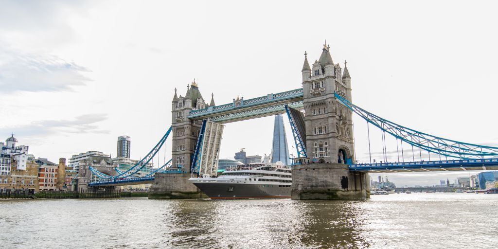 La Boreal sailing under Tower Bridge