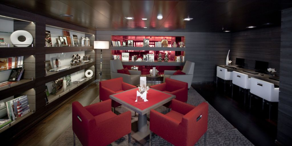 Lounge onboard Le Boreal
