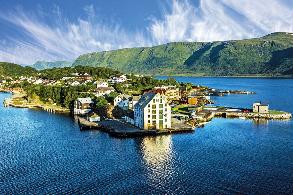 Small cruise ships, Norwegian fjords