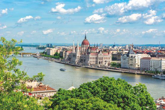 win avalon danube cruise Budapest parliament