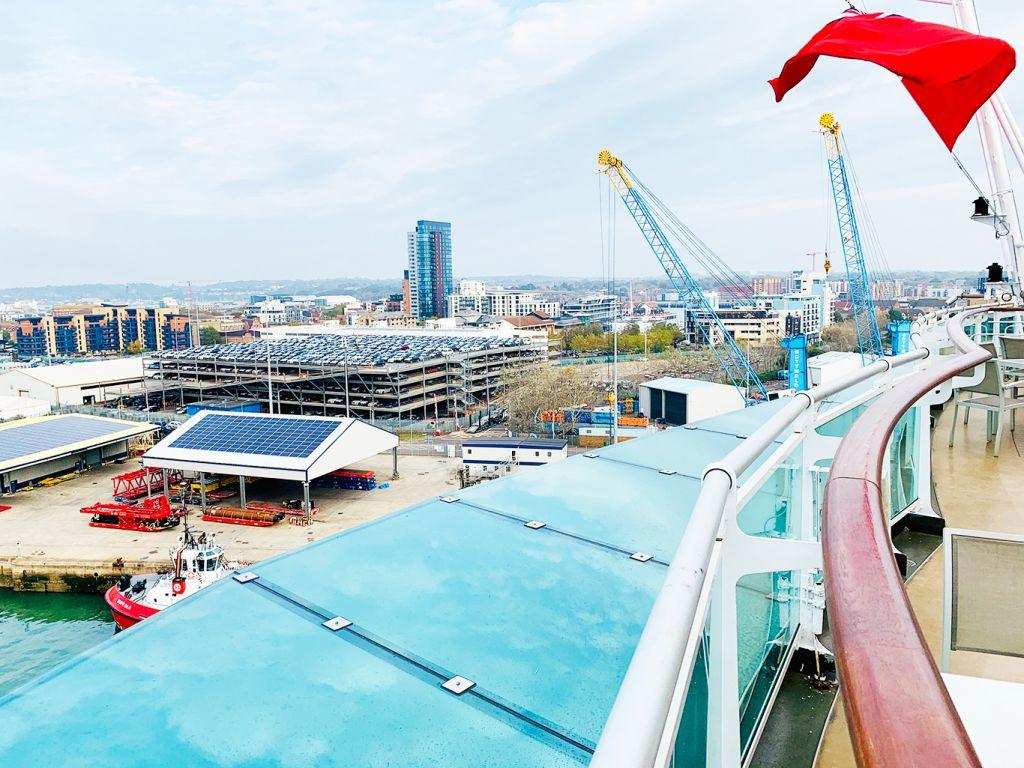 P&O Cruises Britannia, canopies