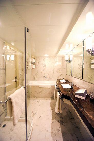 P&O Britannia, P&O Cruises: suite bathroom