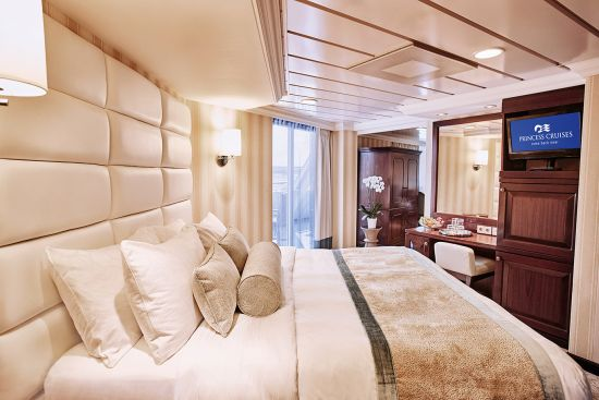 Loyalty schemes: cruise ships, cabin upgrades