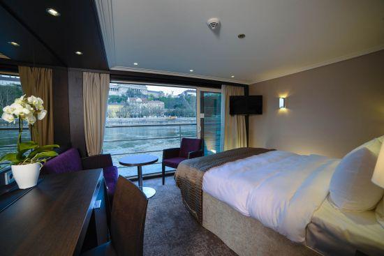 Avalon waterways Pamorama-Suite-Main (1)