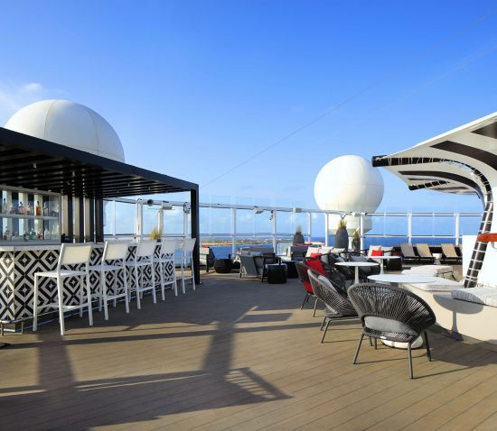 Celebrity Silhouette: Retreat Sundeck
