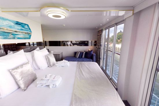 Tui river cruises: french balcony suite cabin