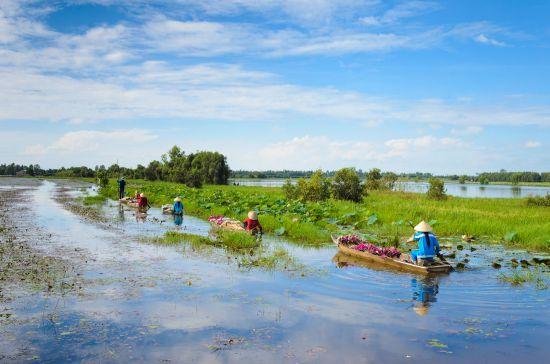 Jane McDonald sails the mighty Mekong river